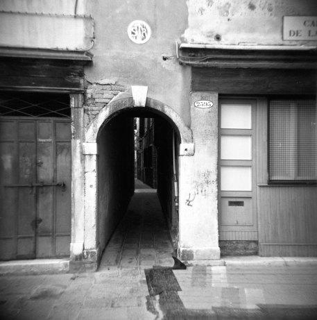 this way...  venice, italy   ilford delta   holga   2009