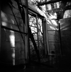 abandon empty realities | ilford 120 | 2009